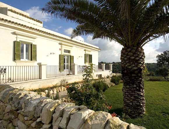 Location sicile appartement en r sidence corte iblea en for 120 salon syracuse